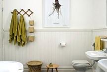 Bathrooms / by Caroline Lawton