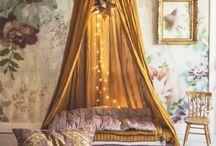 Texiles Fabrics & Wallpapers