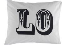 DECO > pillows