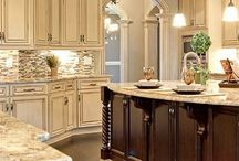 Kitchens / Organization and well designed kitchens.