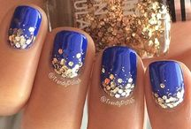 Sparkly Nail Ideas 2015 / by Shannon McDougall