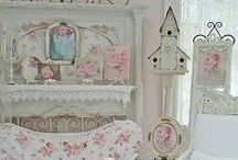 shabby chic / Shabby Chic is such a cozy , feminine way to decorate any room in your house.  / by Patty Vogl
