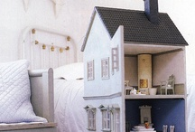 doll houses and miniatures / all kind of doll houses, little dolls and miniatures I love.