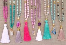 Jewelry: Necklaces / by Lilly