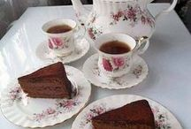Tea Time / The table setting, the atmosphere and the proper way to take tea.