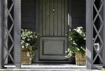 ВХОДНЫЕ ДВЕРИ / ENTRY DOORS
