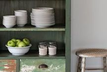 painted furniture / Elegant, retro and shabby chic furniture makeovers