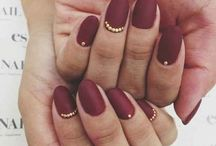<< Studly >> / Change things up with nail studs