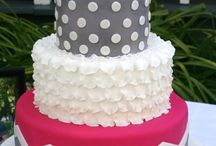 Cake Decorating / by Andrea Diaz