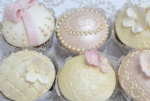 Adorable Cupcakes and Cakepops / Just adorable cupcakes, cakepops confections. / by Sandra Vazquez-Lossiseroni