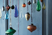 GOTTA LUV CHRISTMAS ORNAMENTS! / Ornaments of all shapes and sizes.  Ideas for use of ornaments.  Creative ornaments to make.   Tis the season to be creative!  ~