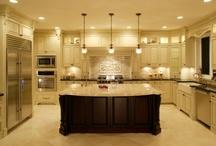 Dream Kitchen / by Vanessa (Mickey) Gregerson
