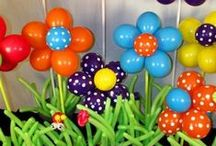 Easter Balloon Decor / With Easter comes that spring feeling... nature starts to bloom and flower. The balloon decorations mirror that feeling, with lively colors and cute designs.