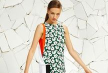 Stella McCartney Floral / #StellaMcCartney dedicates a green corner to English #flowers in the new #Spring #Summer 2016 #Collection. The #floral print is the essence of the next #season.   View the new collection > http://bit.ly/1PpEeMv #alducadaosta