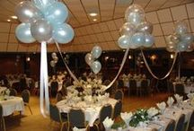 Balloon Clouds / Floating Balloon Clouds, sometimes also called Cloud 9, add a magical touch to your wedding or special event. Combine them with tulle, color matching ribbons and lights! Ideal for head table and cake table decorations.