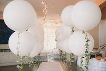 Large Balloons / These giant balloons are gorgeous! Use them to decorate your wedding venue, corporate events, anniversaries, Sweet 16 parties and more. They're equally great for an unforgettable photo shoot.