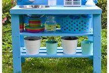 Matschküche / Hier sammle ich alle Ideen für eine DIY Matschküche - Spielen im Freien, Kinderküche, Sandkasten, Matschen