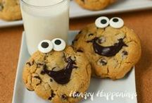Cookies / by Kimberly Wacht