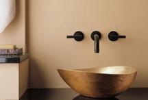 Bathrooms / by Harriet Thompson