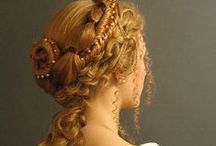 BEAUTE: how to hairstyle those infamous curls...