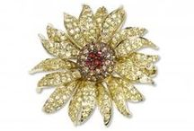 Flower Jewels / Flowers have been an inspiration in art for centuries. Fortunoff's Flower Jewels Collection follows in that tradition with designers who find their inspiration in the artistry of nature.