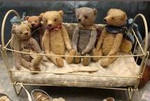 Artist Bears / Artist Bears and Toys