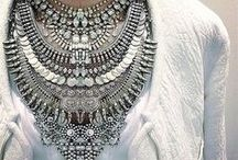 NECKLACES TO COMPLETE THE OUTFIT / by Sunny Rain Johnson