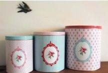 Tins | Boxes | Baskets / by Sara Soares