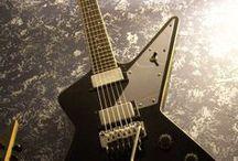 Guitars / by Rafael Radesco