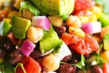 Healthy Spring and Summer Recipes / This board includes fresh, simple, and healthy spring and summer recipes. Several are vegan, vegetarian, clean-eating, and gluten-free.