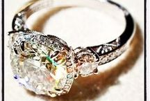 Engagement Rings / by Nicole Vitarelli