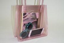 Bags. / backpacks > purses