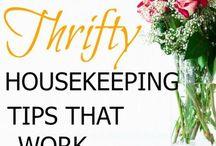 Organizing and housekeeping / Homemaking, cleaning, organizing tips. Organization tips for the home & office. Ideas for minimalism.
