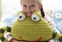 Free Kids' Crafts Patterns / by Bernat Yarns