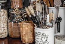 Kitchen Accessories / by Erika Cartabia