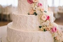 Wedding Cake Flowers / These flowers take the cake!