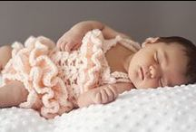 Crochet {Kids and Babies} / Crochet ideas and inspiration for babies, kids, little girls, little boys. Rompers, hats, scarves, shirts, dresses, etc