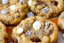 Cookies / by Kristin Delisi