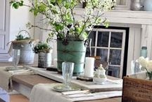 Dining Table Decor / Ideas for year-round dining table decorations because an empty dining table looks, well, boring.