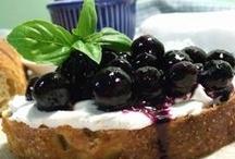 Breakfasts Foods / Breakfast foods all day, all Iive, 24/7!