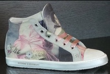 """Footwear / Sneaker in pelle stampata con immagini tratte dall'arte barocca, tele antiche e fantasie foulard. Laccetti in raso. MADE IN ITALY.  Sneaker in leather, printed with """"samples"""" of baroque art, ancient paintings, scarves patterns. Satin laces. MADE IN ITALY"""