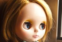 Blythe / big-eyed Christina Ricci-ish dolls ... my newfound love!