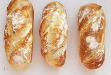 Breads & Buns | Brot & Brötchen / Here you find recipes for breads and buns. Hier findet ihr leckere Rezepte für Brot und Brötchen.