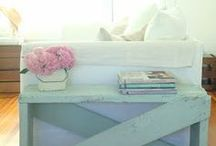 For the Home: Living Room / Design ideas, decorating tips, and layouts for your LIVING ROOM