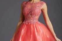 TRENDING: Tulle / Gowns & cocktail dresses with a little more volume!