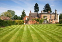 Lawns and Gardens / A selection of beautiful lawns and gardens from around the Internet