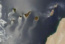 1. E//Es//Canary Islands / Canarias es un archipiélago del océano Atlántico que forma una de las diecisiete comunidades autónomas de España, con la consideración especial de Nacionalidad histórica se compone de siete islas principales: El Hierro, La Gomera, La Palma y Tenerife, que forman la provincia de Santa Cruz de Tenerife; y Fuerteventura, Gran Canaria y Lanzarote, que constituyen la provincia de Las Palmas.  tambien están La Graciosa, Alegranza, Montaña Clara, Roque del Este y Roque del Oeste) y la Isla de Lobos.