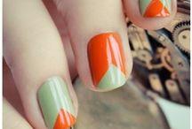 fashion//nails / by Janelle Pietrzak