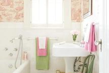 Interiors - Bathrooms / by Nicole Whiteside