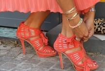 Shoes / by Josefina Hurtado